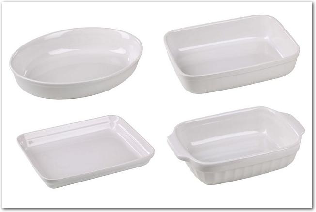 4種類の白いホーローの皿が並んでいる様子